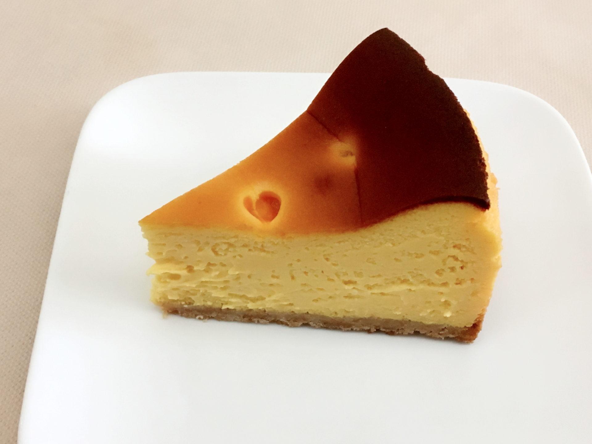 マンゴーのベイクドチーズケーキ 420円