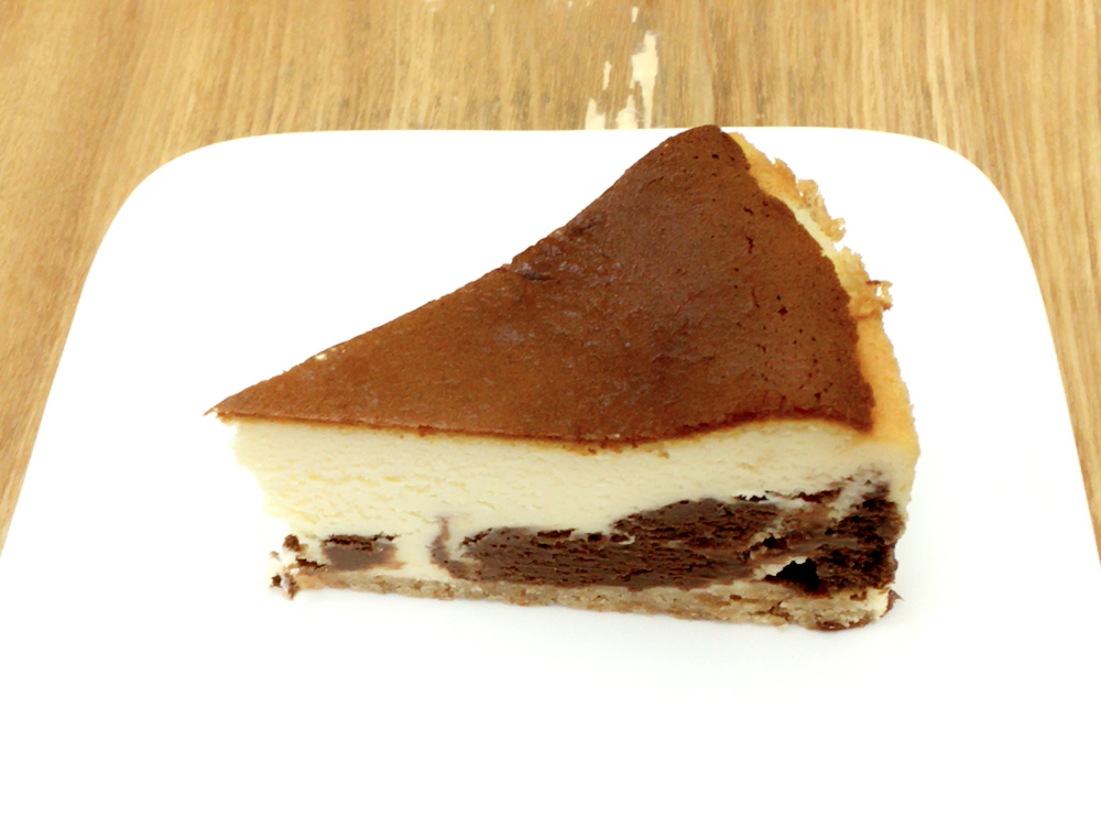 チョコマーブルチーズケーキ 420円